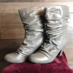 Arturo Chiang grey slouch heeled boots size 8.5